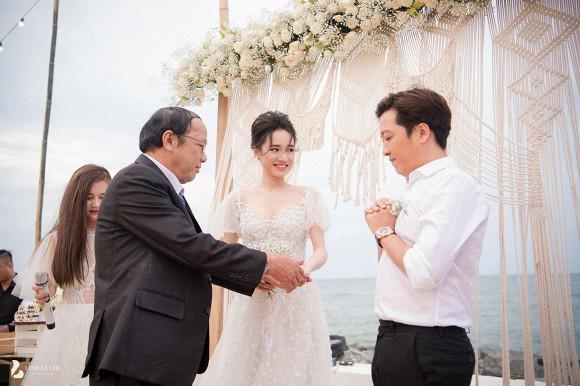 Những khoảnh khắc xúc động nhất lễ đính hôn bí mật của Trường Giang - Nhã Phương lần đầu được tiết lộ - Ảnh 2.