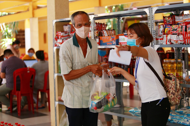 Dịch Covid-19 ngày 22/4: Hà Nội vẫn thuộc nhóm nguy cơ cao, đề xuất cách ly xã hội thêm 1 tuần; Hà Giang phong tỏa toàn bộ thị trấn Đồng Văn - Ảnh 5.