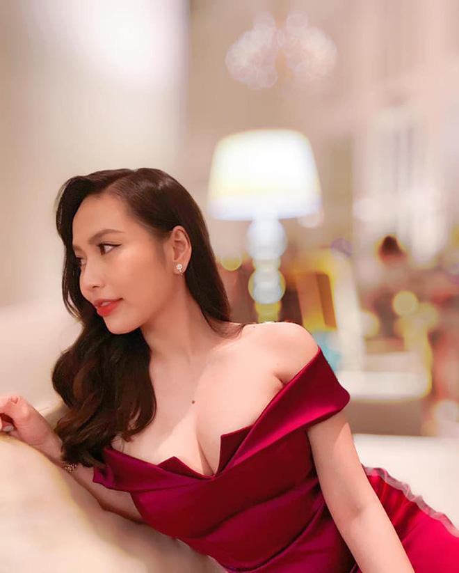 Nhan sắc vợ doanh nhân nóng bỏng, kém 6 tuổi của ca sĩ Lê Hiếu - Ảnh 8.