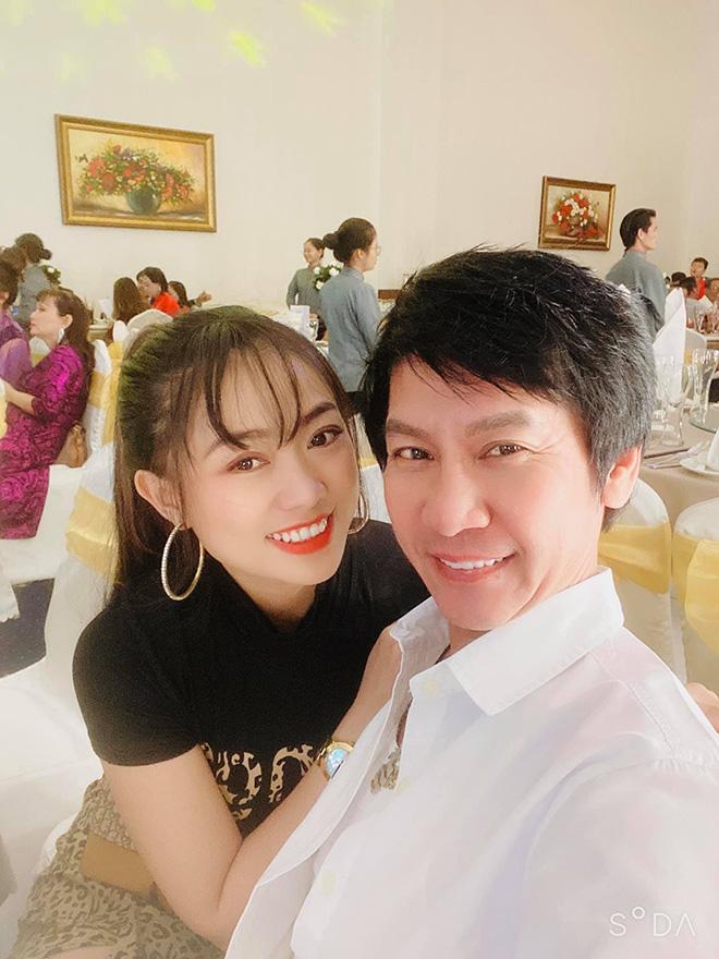 Chân dung vợ hai xinh đẹp, kém 29 tuổi của danh hài Lê Huỳnh - Ảnh 6.