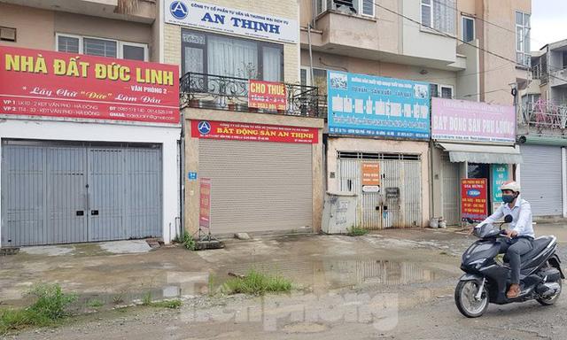 Sàn môi giới địa ốc vẫn cửa đóng then cài khi hết hạn cánh ly xã hội - Ảnh 6.