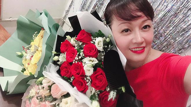 Chị gái ruột từng lọt Top 10 Hoa hậu Việt Nam của danh hài Vân Dung giờ ra sao? - Ảnh 4.