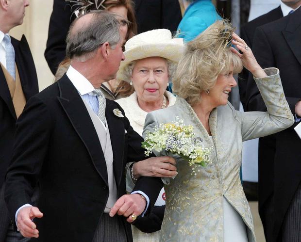 Cuộc đời Nữ hoàng Elizabeth II qua ảnh: Vị nữ vương ngồi trên ngai vàng lâu nhất trong lịch sử các vương triều của nước Anh - Ảnh 20.