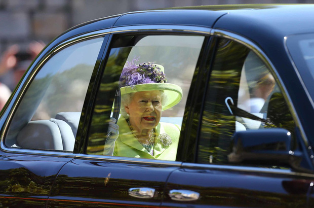 Cuộc đời Nữ hoàng Elizabeth II qua ảnh: Vị nữ vương ngồi trên ngai vàng lâu nhất trong lịch sử các vương triều của nước Anh - Ảnh 26.