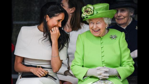 Cuộc đời Nữ hoàng Elizabeth II qua ảnh: Vị nữ vương ngồi trên ngai vàng lâu nhất trong lịch sử các vương triều của nước Anh - Ảnh 27.