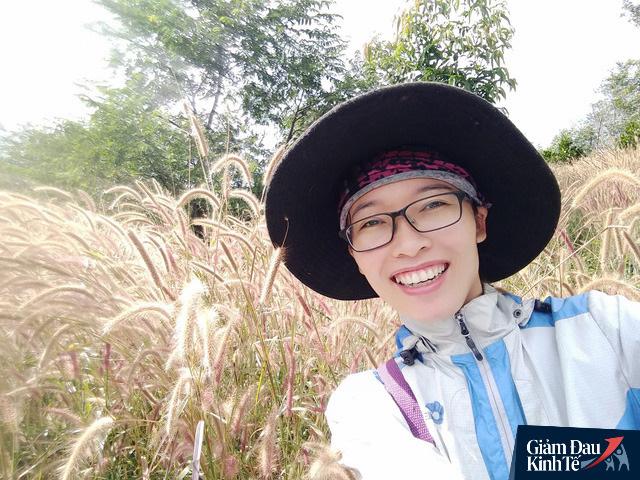 Lối sống tối giản 9 không của cô giáo Hà Nội bỏ việc lương cao về quê ủ phân trồng rau: Không đi xem phim rạp, không mua đồ rẻ tiền, không chạy theo trend - Ảnh 1.