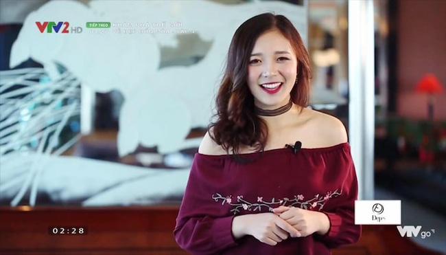 Hình ảnh ngoài đời dễ thương của nữ MC trẻ tuổi nhất VTV, chỉ cao 1m50 nhưng vẫn xinh xắn không thua hoa hậu - Ảnh 1.