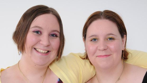 Hai chị em sinh đôi cùng trở thành những y tá tận tụy và qua đời vì nhiễm Covid-19, tiết lộ của gia đình càng khiến mọi người xúc động - Ảnh 3.