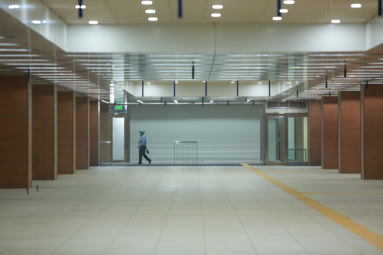 Ga ngầm 4 tầng đầu tiên của Metro TP.HCM sắp hoàn thiện, nằm sát bên Nhà hát thành phố - Ảnh 11.