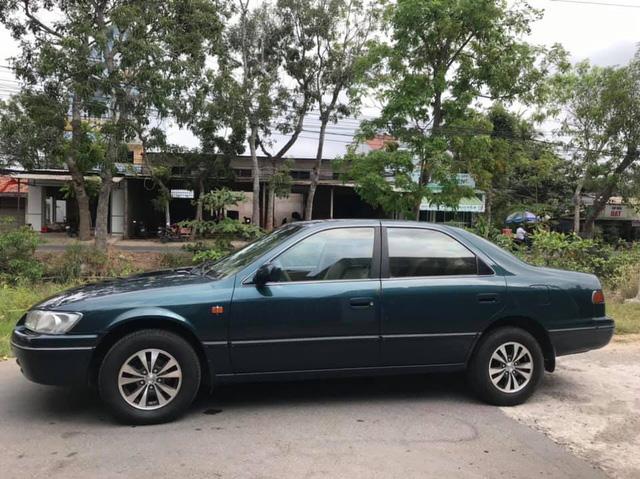 Thanh lý một loạt xe Toyota đời cũ: Camry giá khởi điểm chỉ 14,5 triệu đồng - Ảnh 1.