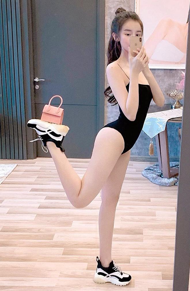 Cao Thái Hà khoe vẻ quyến rũ khi diện bikini gợi cảm - Ảnh 8.