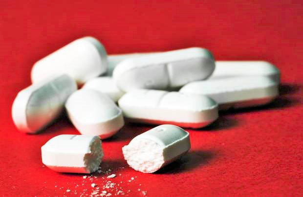 Nguy kịch vì uống 16 viên hạ sốt trong 4 ngày: BS khuyến cáo cách dùng đúng tránh ngộ độc - Ảnh 1.