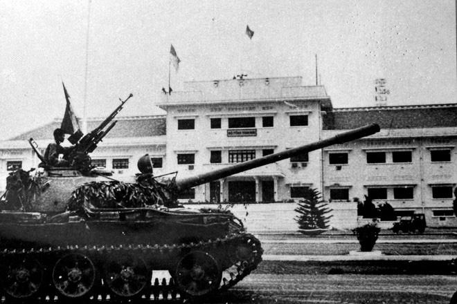 Tiết lộ lý do xe tăng ta rách te tua khi vào Dinh Độc Lập, T-90 tối tân cũng có hiểm họa - Ảnh 4.