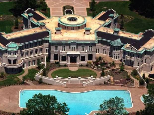 Số phận bi đát của huyền thoại quyền Anh bị Mike Tyson cắn đứt tai: Nửa tỷ đô bốc hơi, phải bán nhà, bán nhẫn, bán cả huy chương trả nợ - Ảnh 3.