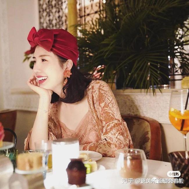 Tiết lộ loạt ảnh được cho là chưa qua dao kéo của Tuesday nổi tiếng bậc nhất Trung Quốc và người vợ kín tiếng nhưng khí chất của chủ tịch Taobao - Ảnh 9.