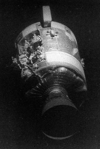 90 giờ sinh tử: Cuộc giải cứu chưa từng có trong lịch sử NASA, phi hành gia mắc kẹt ngoài vũ trụ trở về ra sao? - Ảnh 3.