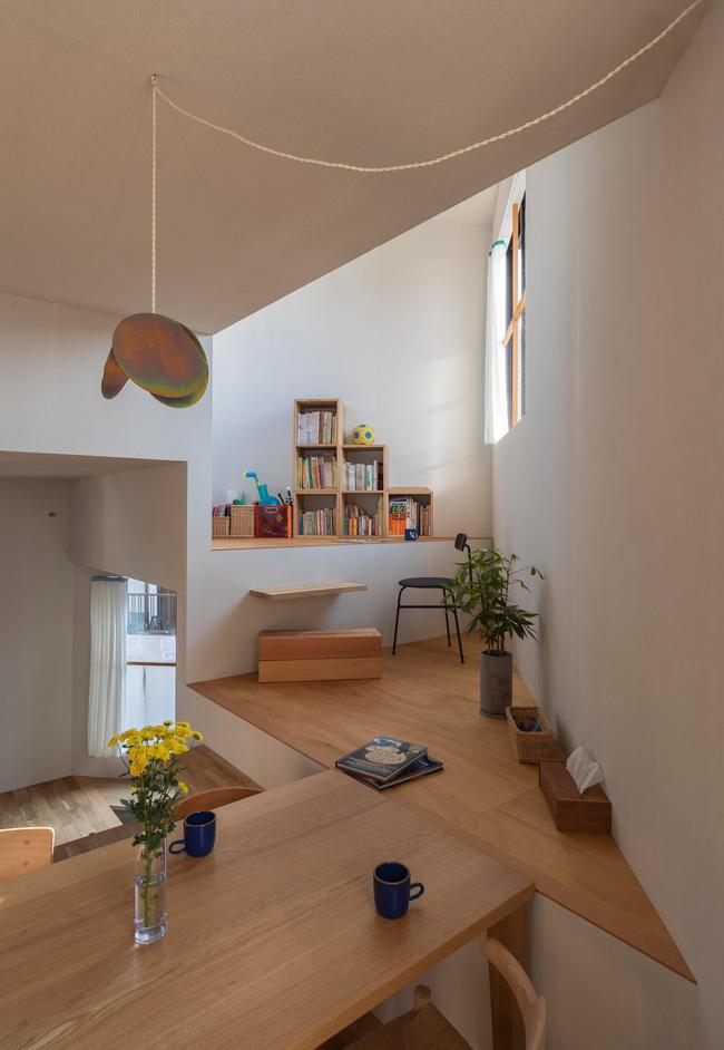 Ngôi nhà nhỏ ở Nhật được thiết kế siêu độc đáo để ăn gian diện tích, giúp nhà rộng hơn nhờ vào các không gian chức năng được chia theo... toán học - Ảnh 5.