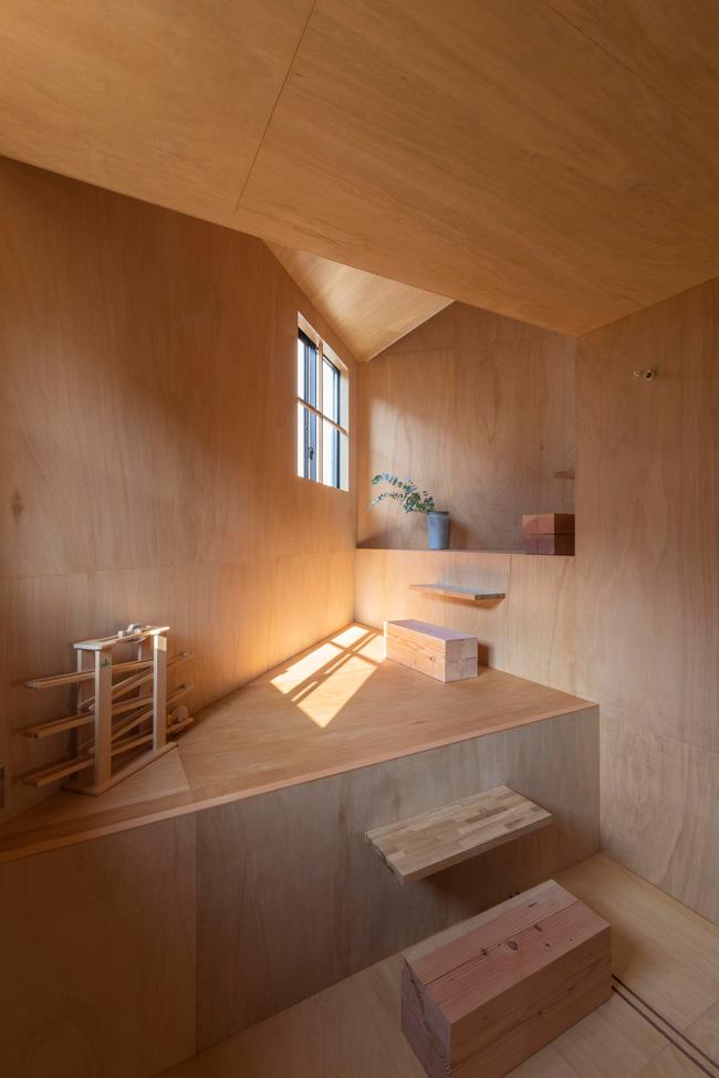 Ngôi nhà nhỏ ở Nhật được thiết kế siêu độc đáo để ăn gian diện tích, giúp nhà rộng hơn nhờ vào các không gian chức năng được chia theo... toán học - Ảnh 6.