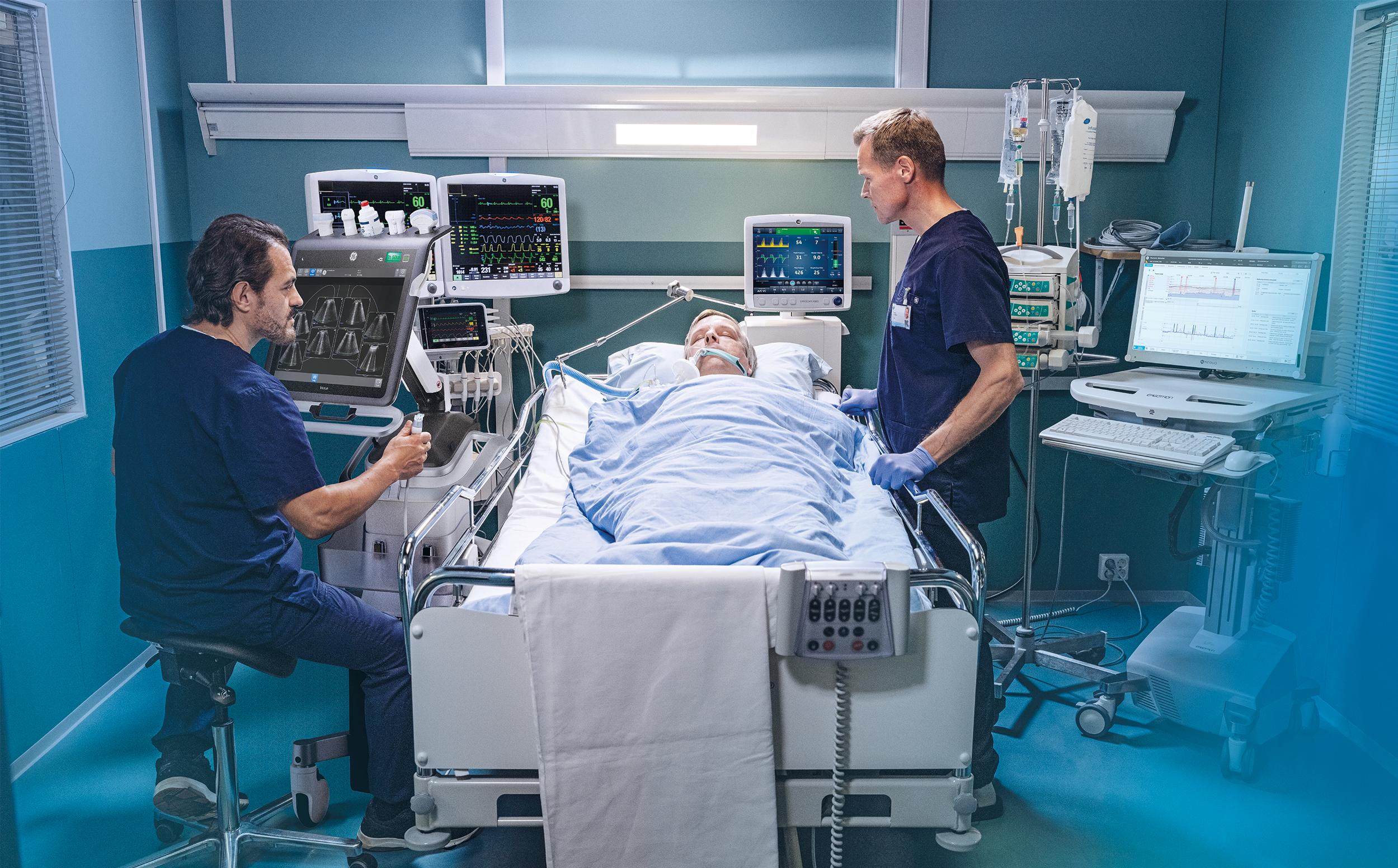 Bác sĩ ICU nói về thực trạng Covid-19 ở Mỹ: Rất nhiều người trẻ vừa vào đã phải sử dụng đến máy thở