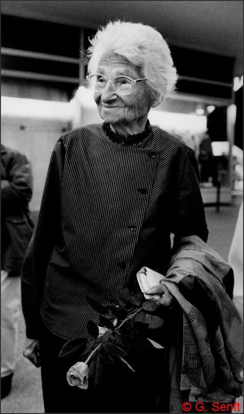 Ursula Kuczynski, nữ điệp viên trao bí mật bom nguyên tử cho Liên Xô  - Ảnh 6.