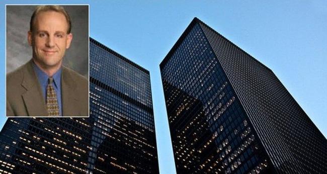 Tin tấm kính chắc chắn, luật sư tài giỏi biểu diễn ngã vào đó rồi rơi xuống từ tầng 24 tử vong, cái chết ấn định số phận công ty luật - Ảnh 1.