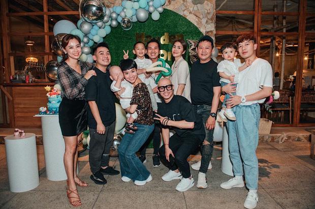 Hà Tăng góp mặt trong tiệc thôi nôi của con trai Trà My Idol, nhan sắc choán hết cả spotlight nhân vật chính - Ảnh 2.