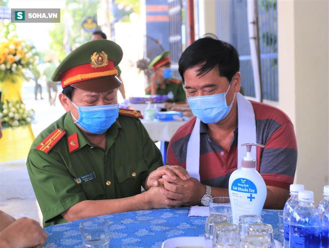 Tin mới nhất vụ 2 chiến sĩ Công an Đà Nẵng hy sinh khi truy đuổi nhóm đua xe - Ảnh 2.