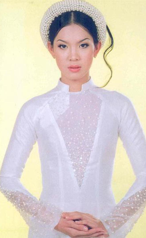 Danh tính của mỹ nhân xinh đẹp, từng là hình ảnh đại diện Vietnam Airlines - Ảnh 1.