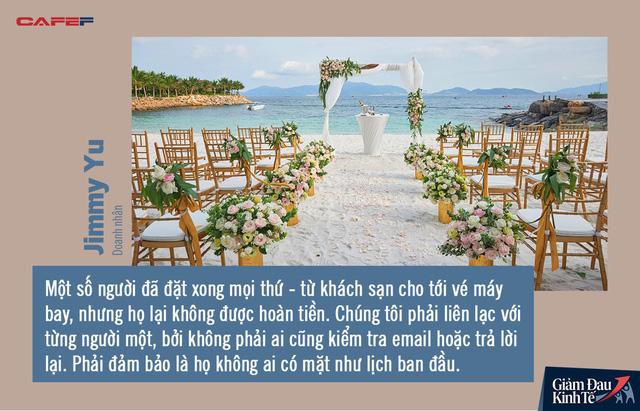 Gian nan chuyện kết hôn mùa Covid-19: Phải tổ chức đám cưới không khách qua Zoom, muốn dời lại cũng mất cả đống tiền - Ảnh 3.