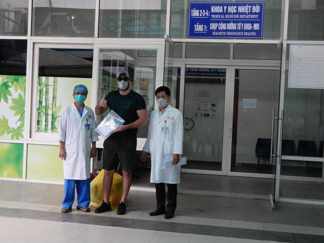 Dịch Covid-19 ngày 4/4: 89 y, bác sĩ của 4 bệnh viện phải cách ly vì BN 237, kịch bản ứng phó khi dịch bệnh lan rộng - Ảnh 3.