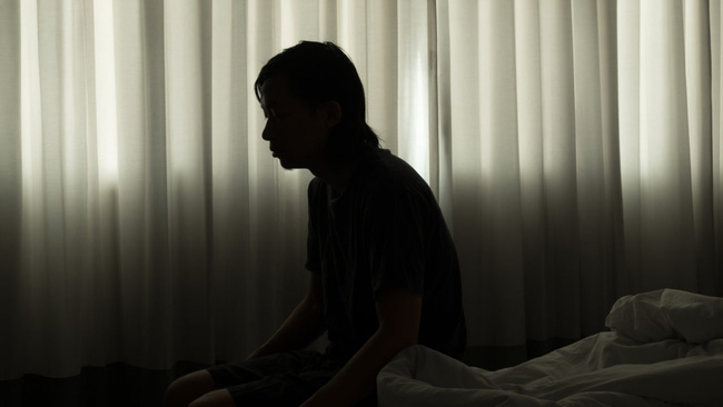Câu chuyện về những người con quyết giữ thi thể cha mẹ đã khuất ở trong nhà và sự thật đáng sợ đằng sau phản ánh mặt tối của xã hội Nhật Bản - Ảnh 2.