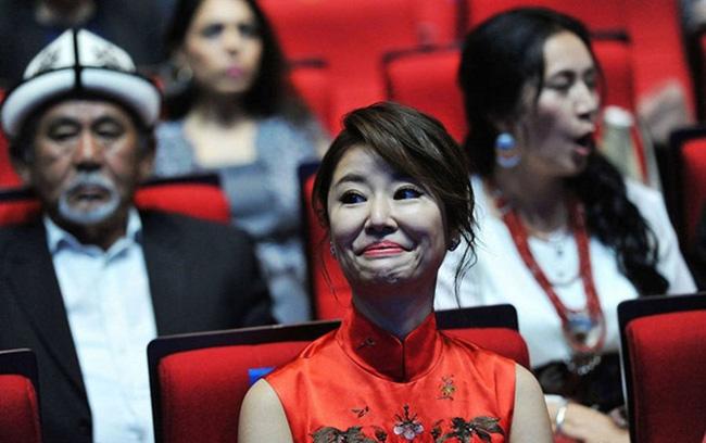 Khi các mỹ nhân Hoa ngữ vô tình để lộ khoảnh khắc xấu nhất trước công chúng - Ảnh 25.