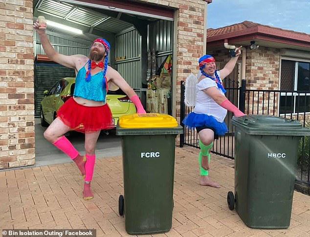 Cách ly thời Covid-19 chị em đua nhau ăn diện để đi đổ rác, nam giới cũng đua theo trend - Ảnh 7.