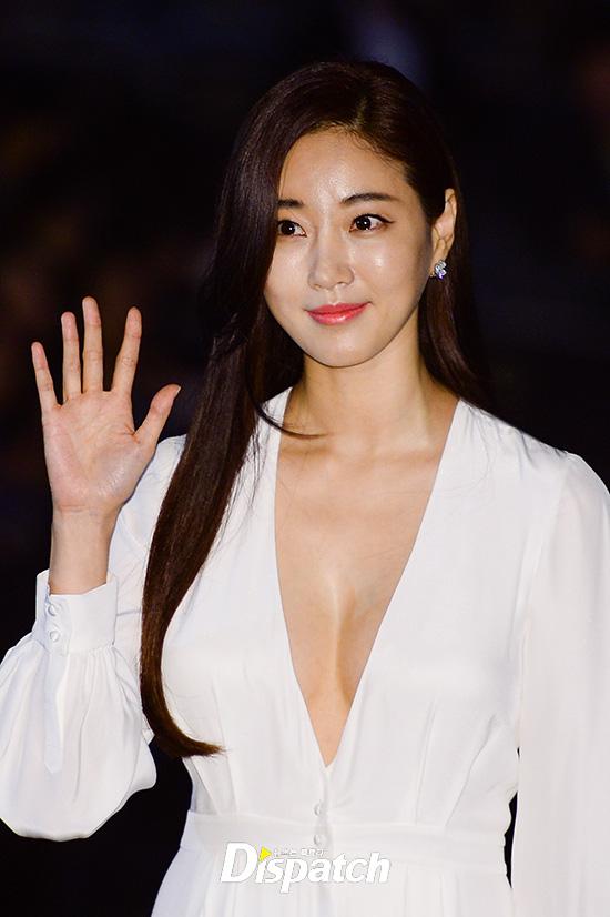 Hoa hậu gợi cảm hàng đầu Hàn Quốc lao đao vì nghi án bán dâm, tuổi 42 vẫn độc thân quyến rũ - Ảnh 3.