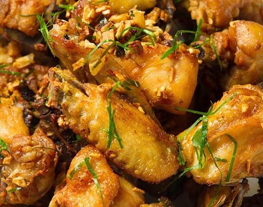 Bí quyết cực đơn giản giúp bảo quản thịt gà đông lạnh tươi ngon như mới mua - Ảnh 1.