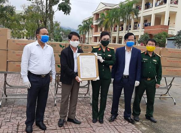 Cập nhật dịch Covid-19 ngày 5/4: Việt Nam tạm dừng ở 240 ca nhiễm; 2 người đi câu cá trong thời gian cách ly xã hội bị phạt 200.000đ - Ảnh 1.
