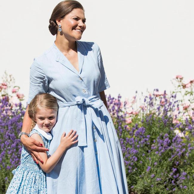 Ngất ngây với một loạt khoảnh khắc của các tiểu hoàng tử, công chúa trên thế giới cho thấy họ đích thực là bản sao hoàn hảo của cha mẹ mình - Ảnh 2.