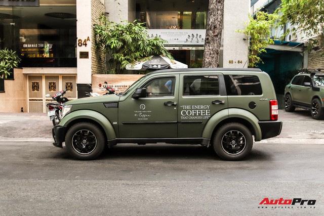 SUV địa hình Dodge hàng độc của ông Đặng Lê Nguyên Vũ bất ngờ xuất hiện trên phố Sài Gòn - Ảnh 2.