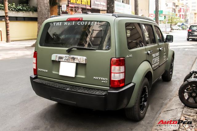 SUV địa hình Dodge hàng độc của ông Đặng Lê Nguyên Vũ bất ngờ xuất hiện trên phố Sài Gòn - Ảnh 5.