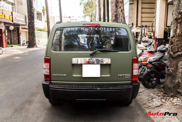 SUV địa hình Dodge hàng độc của ông Đặng Lê Nguyên Vũ bất ngờ xuất hiện trên phố Sài Gòn - Ảnh 6.