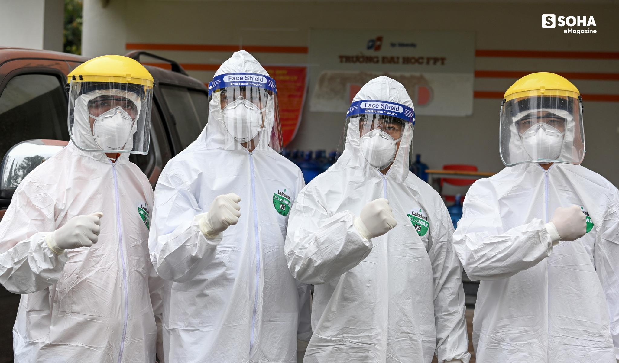 Ngứa không được gãi, khát không được uống, vệ sinh không được đi, họ là 500 thợ săn virus ở CDC lớn nhất Việt Nam - Ảnh 23.