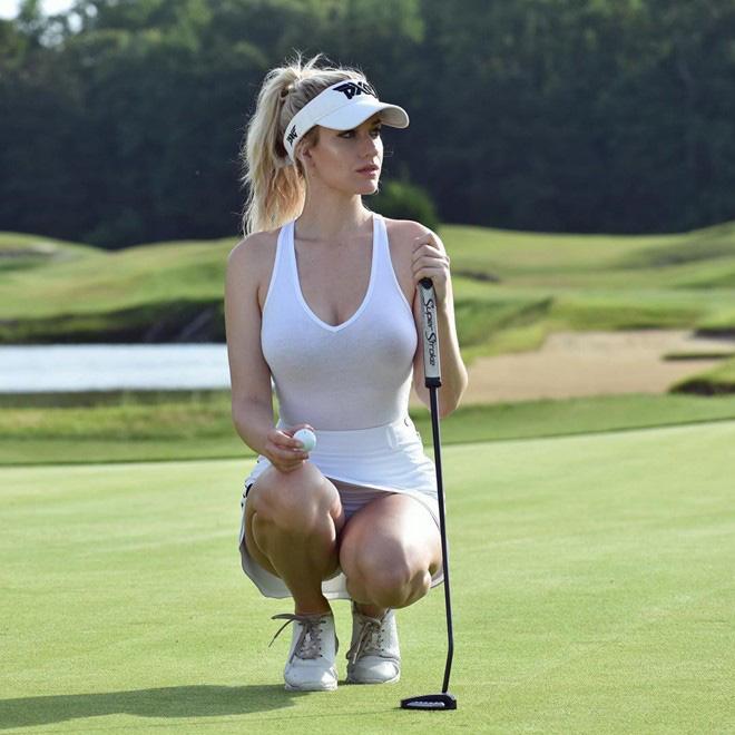 Nữ golf thủ dùng ngực đánh golf gây 'bão mạng' - Ảnh 3.