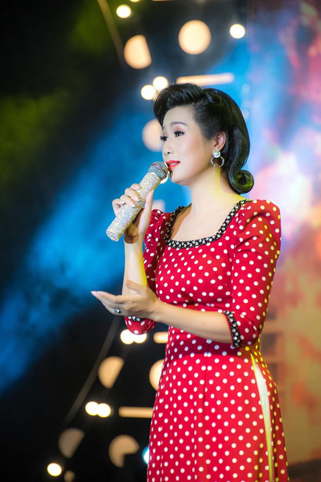 Á hậu đặc biệt nhất showbiz Việt: Tài năng xuất chúng, hạnh phúc viên mãn - Ảnh 3.