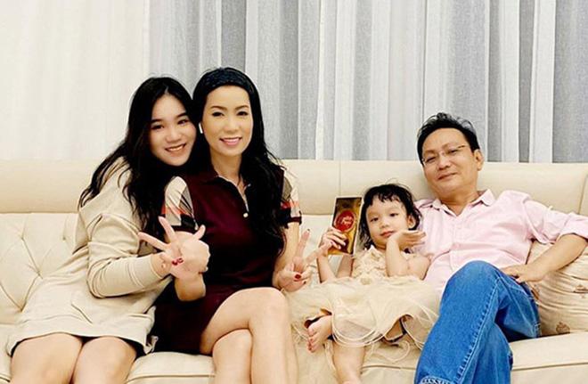 Á hậu đặc biệt nhất showbiz Việt: Tài năng xuất chúng, hạnh phúc viên mãn - Ảnh 4.