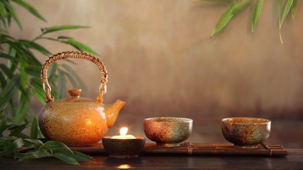 Cố tình pha trà bằng nước ấm, hòa thượng già chỉ cho chàng trai 1 đạo lý, giúp rũ bỏ hết muộn phiền, bất mãn với cuộc sống - Ảnh 1.