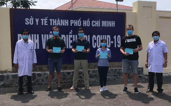 [TIN MỚI dịch COVID-19] Thêm 11 bệnh nhân ở BV Bệnh Nhiệt đới Trung ương khỏi bệnh; Hà Nội chuẩn bị cho kịch bản ứng phó với cấp độ 4 của dịch - Ảnh 1.
