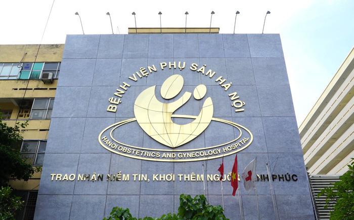 TIN VUI: 63 y, bác sĩ Bệnh viện Phụ Sản Hà Nội bước đầu âm tính với SARS-CoV-2