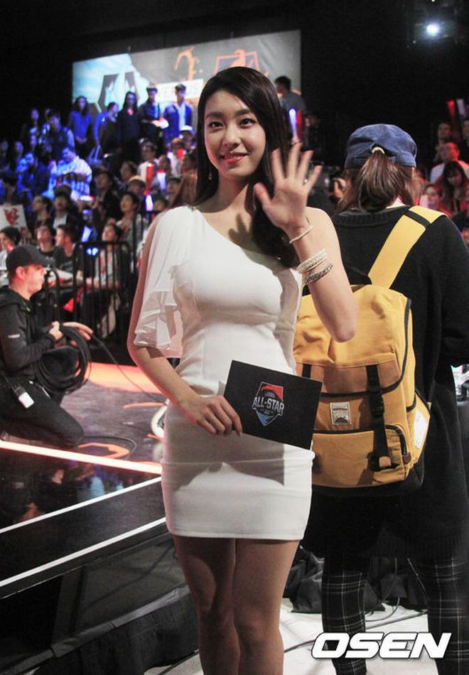 So Ji Sub: Đại gia showbiz cưới mỹ nữ Liên minh huyền thoại được triệu đàn ông khao khát - Ảnh 11.