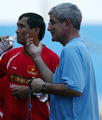 HLV Mai Đức Chung mát tay, U22 Việt Nam vô địch giải đấu quốc tế lâu đời nhất châu Á - Ảnh 2.
