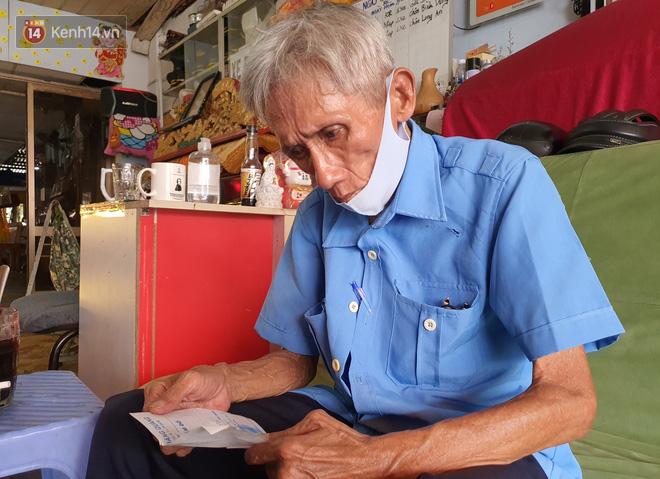 Được cộng đồng mạng giúp đỡ sau khi mất việc, bác bảo vệ già ở Sài Gòn xúc động: Con ơi, hãy giúp người khó khăn hơn - Ảnh 3.